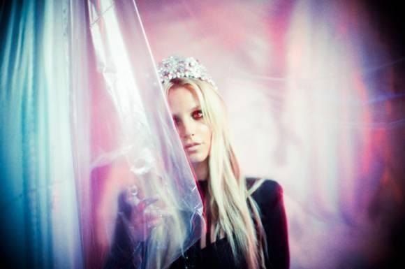 Bo anh moi cua Britney Spears bi che bai tham te hinh anh