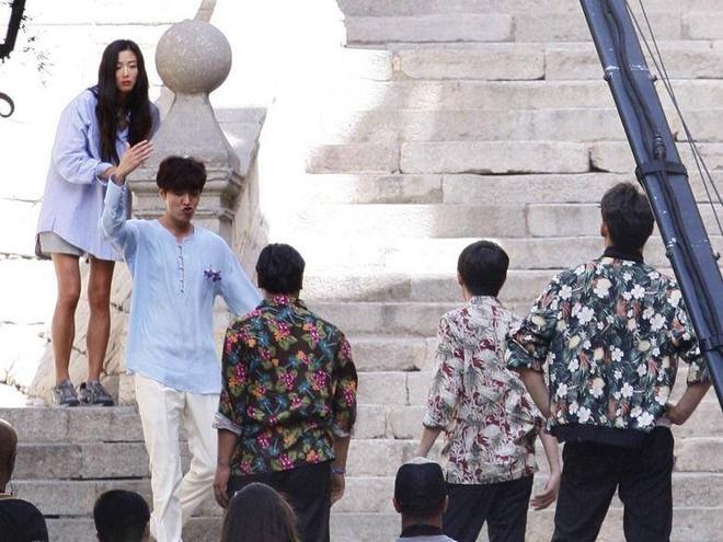 Lo anh Lee Min Ho – Jun Ji Hyun o phim truong 'Nang tien ca' hinh anh 1