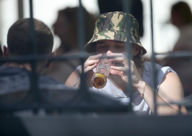 Con trai Beckham suy sup sau khi chia tay ban gai hinh anh 1