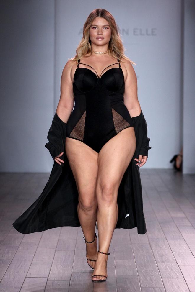 Loat mau beo dien bikini do bo san catwalk New York hinh anh 5