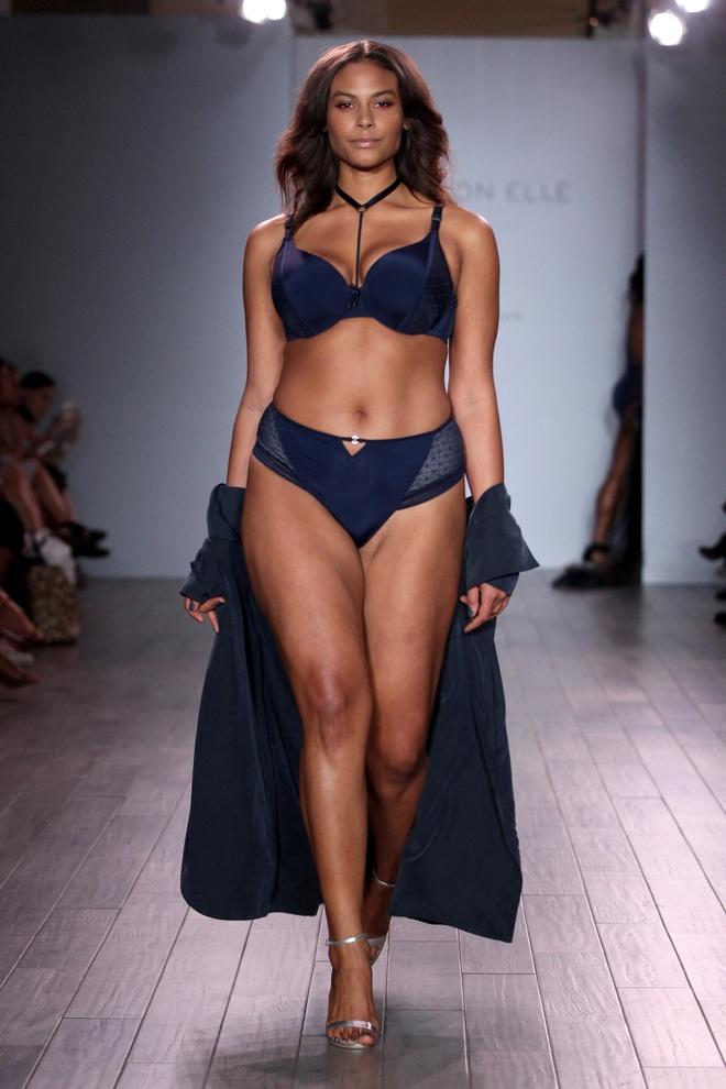 Loat mau beo dien bikini do bo san catwalk New York hinh anh 3