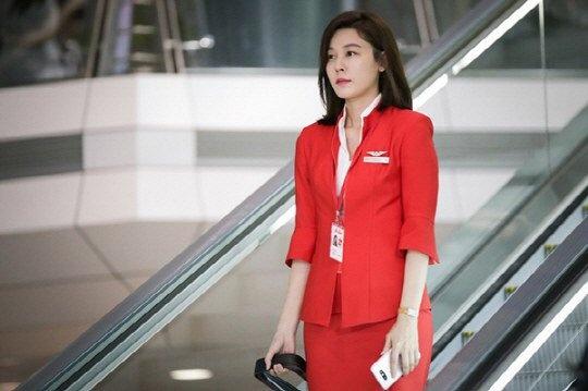 Kim Ha Neul phai long 'ong chong quoc dan' trong phim moi hinh anh 6