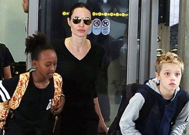 Angelina Jolie don do, mang con den Malibu hinh anh