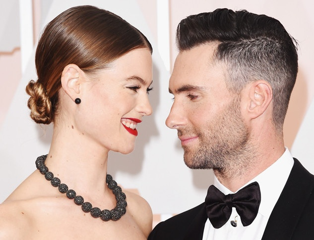 Adam Levine va Behati Prinsloo don con gai dau long hinh anh