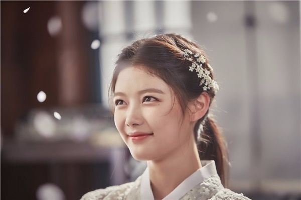 Kim Yoo Jung: Tu sao nhi den thieu nu da tai hinh anh 11