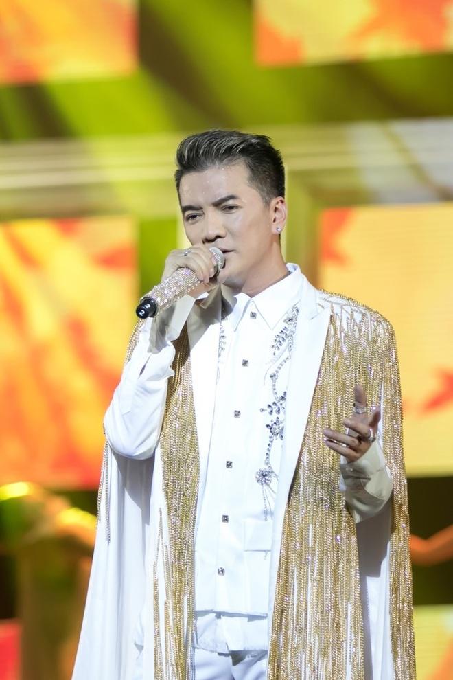Dam Vinh Hung co gu thoi trang diem dua nhat showbiz Viet hinh anh 3