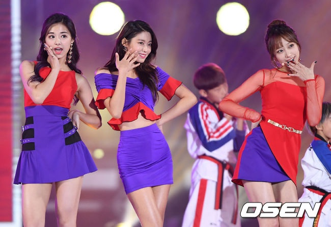 Seolhyun (AOA),  Tzuyu (Twice) va Hani (EXID) hop tac anh 1
