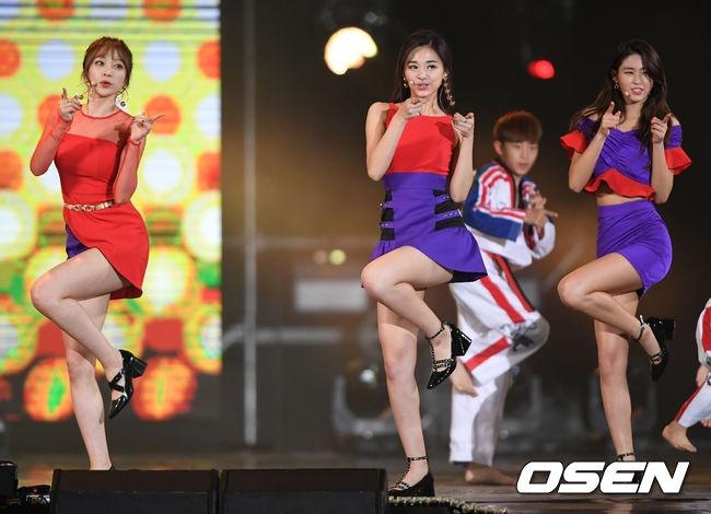 Seolhyun (AOA),  Tzuyu (Twice) va Hani (EXID) hop tac anh 3