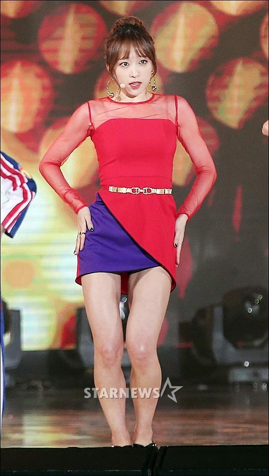 Seolhyun (AOA),  Tzuyu (Twice) va Hani (EXID) hop tac anh 7
