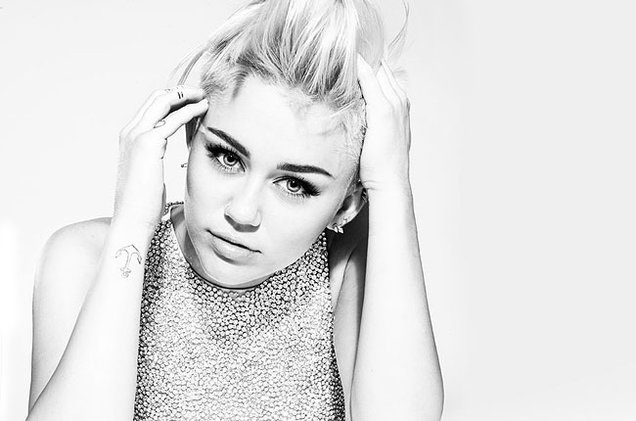 Miley Cyrus cong khai tinh dau dong tinh hinh anh 1