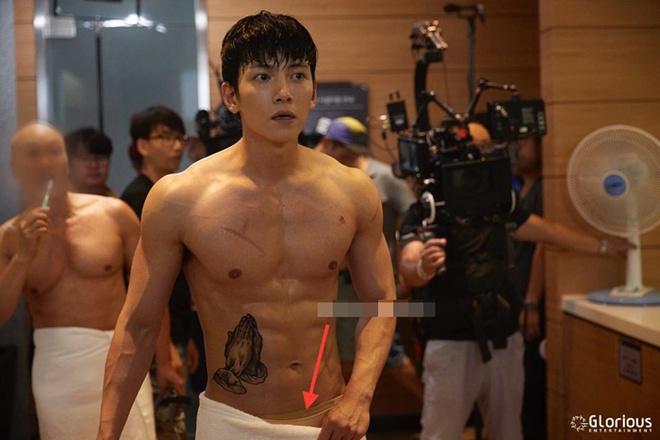 Hau truong phim K2 cua Yoona,  Ji Chang Wook anh 5