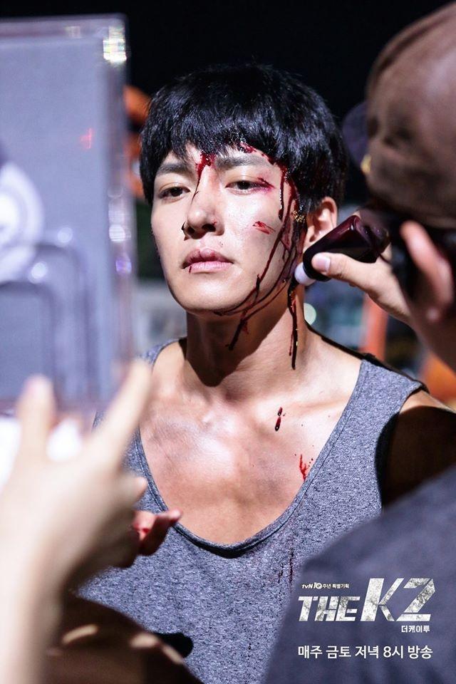 Hau truong phim K2 cua Yoona,  Ji Chang Wook anh 7