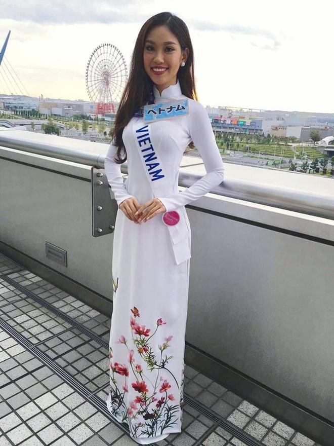 Phuong Linh duoc BTC Hoa hau Quoc te 2016 mung sinh nhat hinh anh 4
