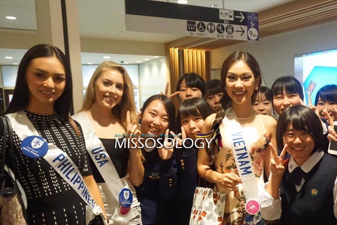 Phuong Linh duoc BTC Hoa hau Quoc te 2016 mung sinh nhat hinh anh 8
