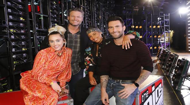 Chua ket thuc The Voice, Miley da tuyen bo roi ghe nong hinh anh