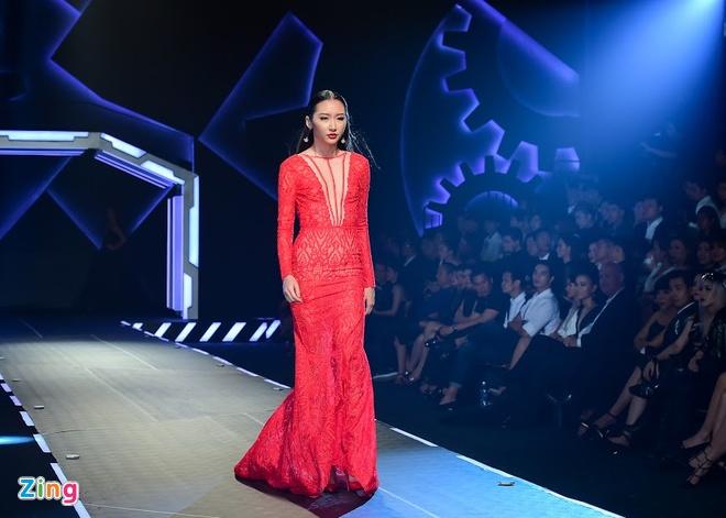 Show dien Chung Thanh Phong: Hao nhoang nhung an toan hinh anh 3
