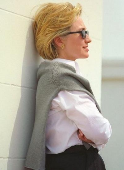 Thong diep chinh tri qua trang phuc cua Hillary Clinton hinh anh 4