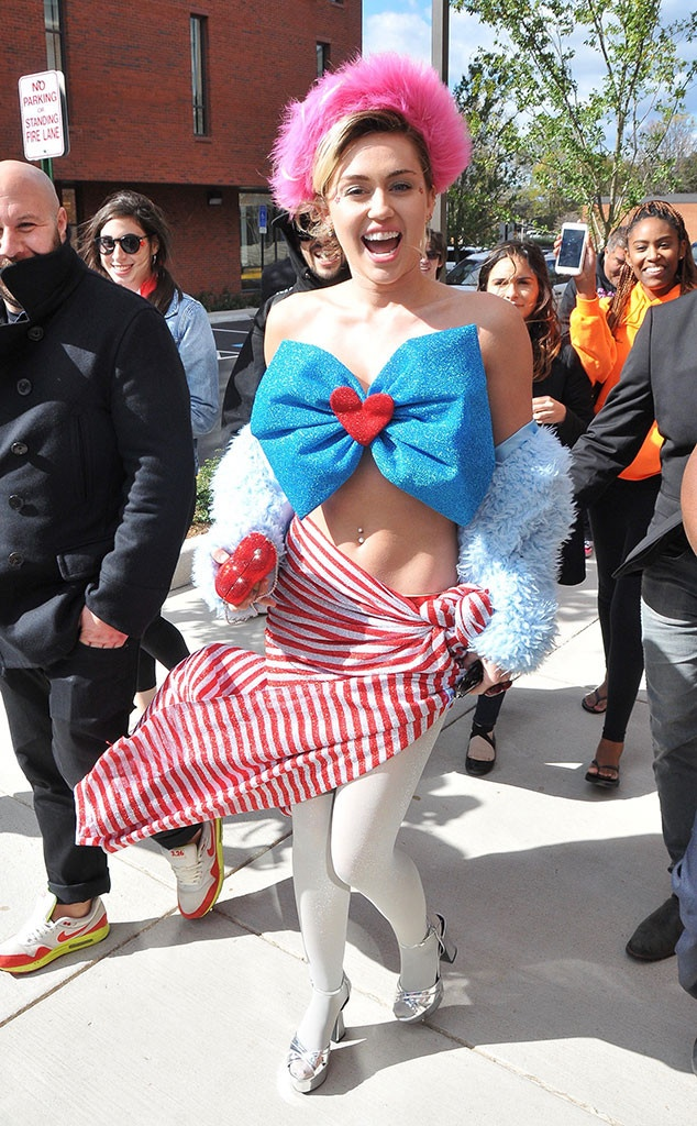 Miley Cyrus ung ho Hillary Clinton anh 1