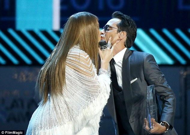 Marc Anthony chia tay vo tre de quay ve voi Jennifer Lopez? hinh anh 1