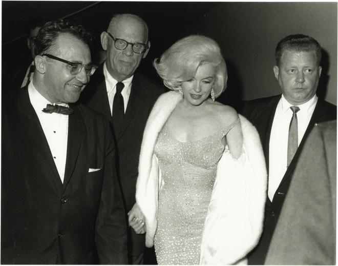 Chiec vay huyen thoai cua Marilyn Monroe co gia tram ty hinh anh 5
