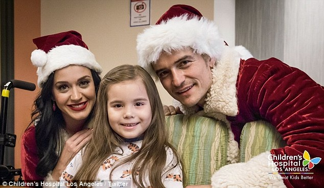 Orlando Bloom,  Katy Perry dong gia ong gia Noel anh 1