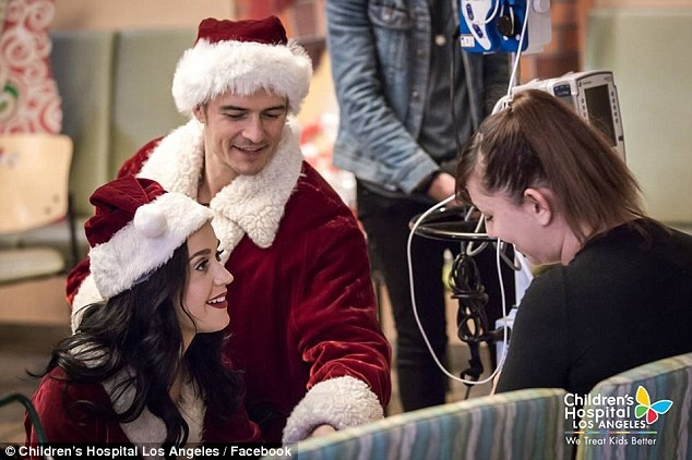 Orlando Bloom,  Katy Perry dong gia ong gia Noel anh 7