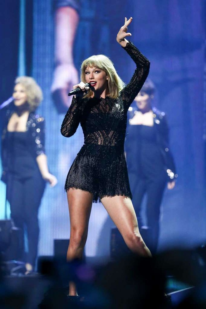 Taylor Swift boc lua trong concert duy nhat nam 2017 hinh anh 3