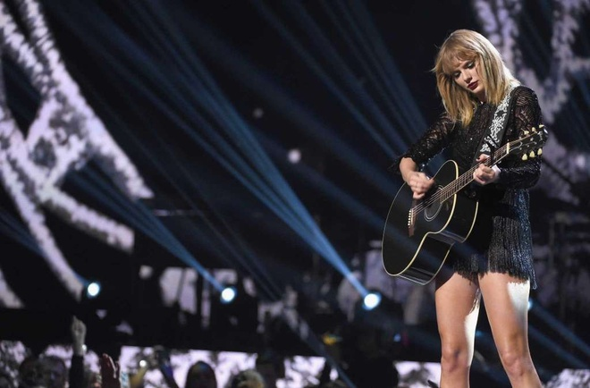 Taylor Swift boc lua trong concert duy nhat nam 2017 hinh anh 5