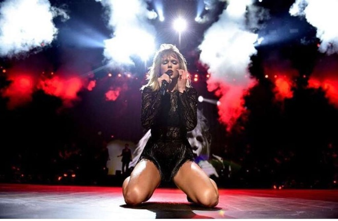Taylor Swift boc lua trong concert duy nhat nam 2017 hinh anh 6