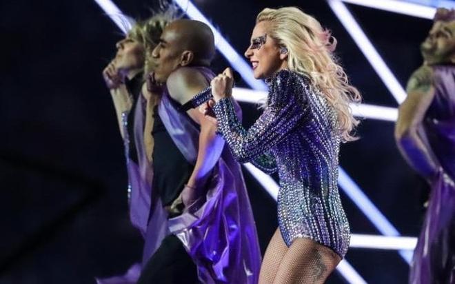 Lady Gaga trinh dien,  Super Bowl Halftime Show 2017 anh 8