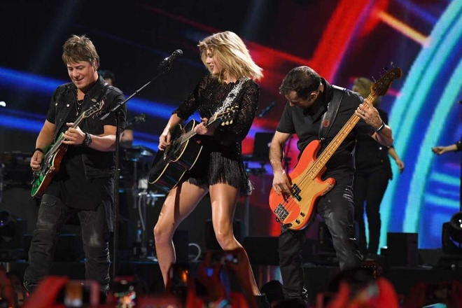Taylor Swift boc lua trong concert duy nhat nam 2017 hinh anh 8