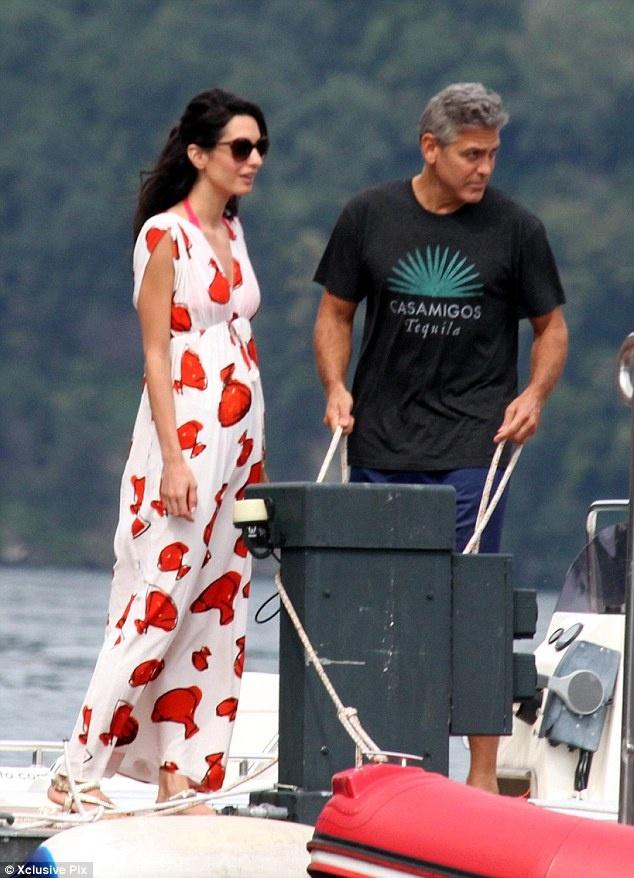 Vo tai tu George Clooney mang bau song thai o tuoi 40 hinh anh 2