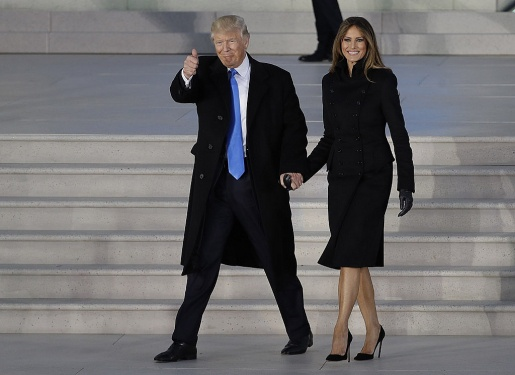 Melania van dien do chau Au du Trump cam ket dung hang My hinh anh 3