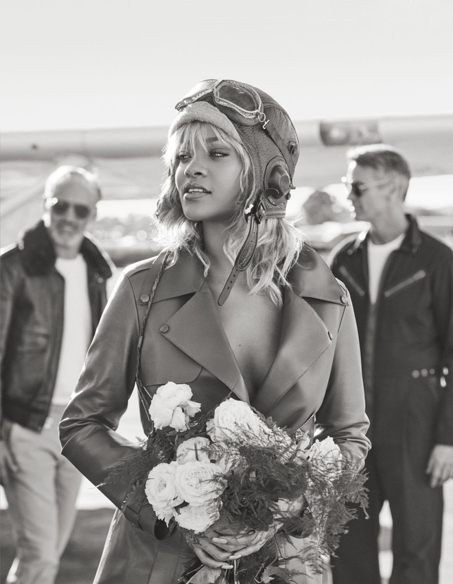 Rihanna tren tap chi Harper's Bazaar anh 4