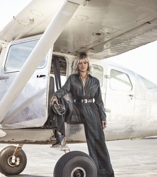 Rihanna tren tap chi Harper's Bazaar anh 6