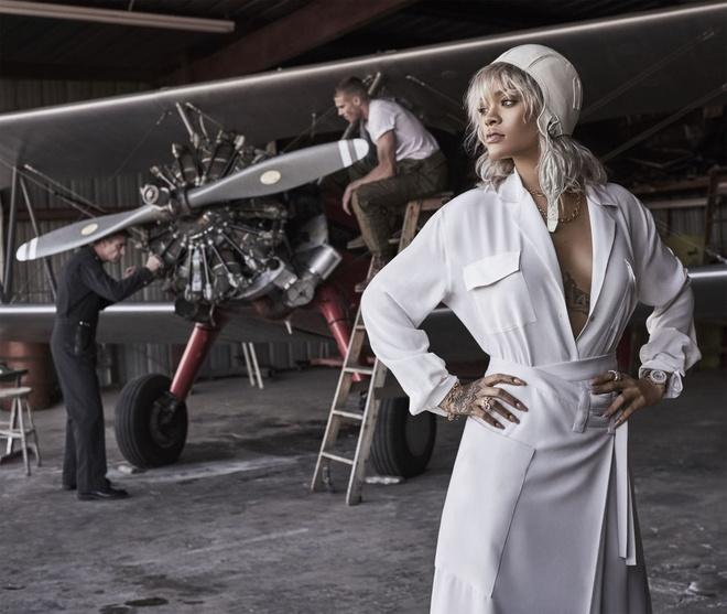 Rihanna tren tap chi Harper's Bazaar anh 7