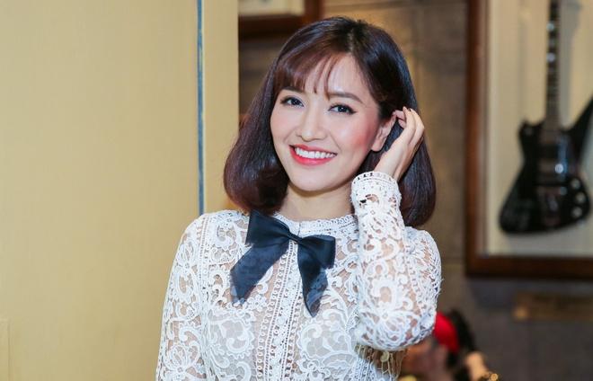 Bich Phuong nu tinh, Huong Giang Idol quyen ru du su kien hinh anh