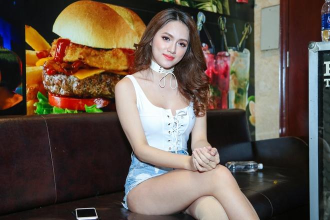 Bich Phuong nu tinh, Huong Giang Idol quyen ru du su kien hinh anh 5
