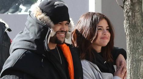 Selena Gomez mac gian di toi xem ban trai bieu dien hinh anh