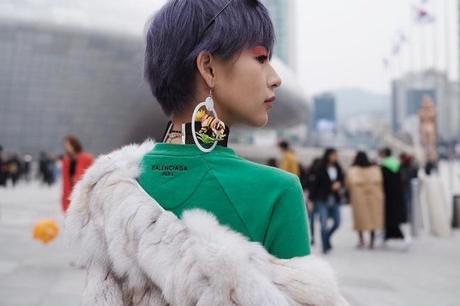Hoang Ku va Phi Phuong Anh mac an y o Seoul hinh anh 2