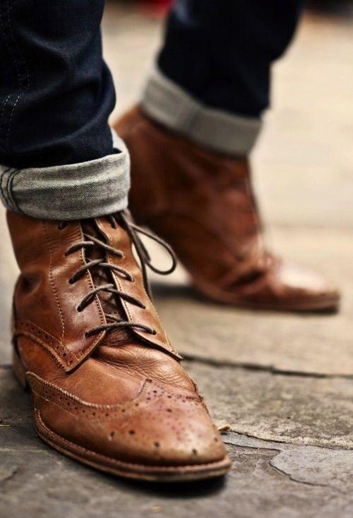 Boots cho dan ong: Mon do thoi trang tao nen dang cap hinh anh 4