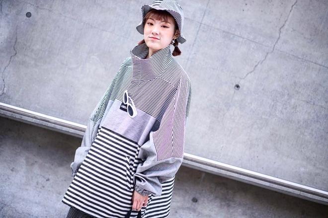 Gioi mo dieu khoe street style o Tuan le thoi trang Seoul hinh anh 12