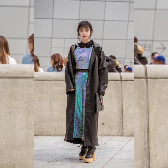 Gioi mo dieu khoe street style o Tuan le thoi trang Seoul hinh anh 5