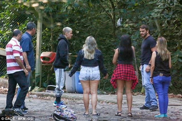Justin Bieber om gai la o Brazil anh 6