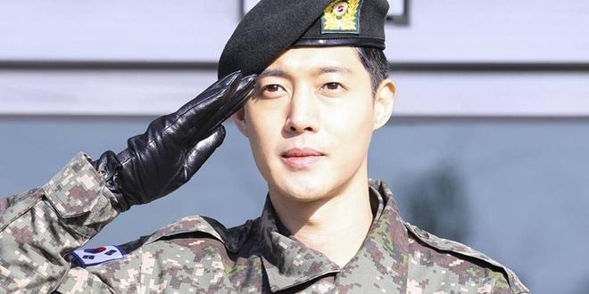 Vua xuat ngu,  Kim Hyun Joong lai xe khi uong ruou anh 1