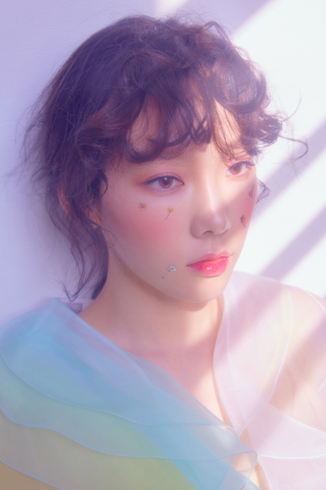 Tao hinh bup be cua Taeyeon trong album moi hinh anh 2