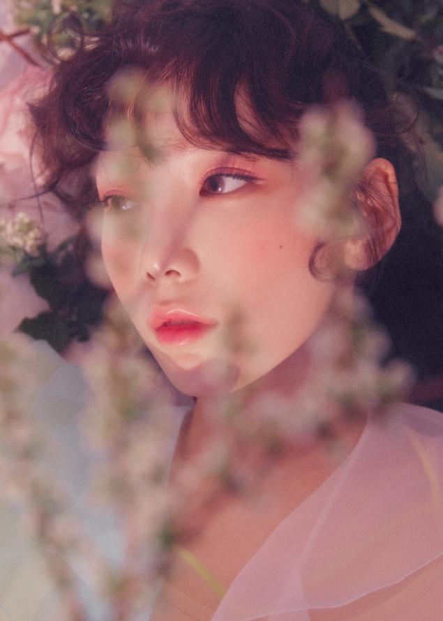 Tao hinh bup be cua Taeyeon trong album moi hinh anh 4