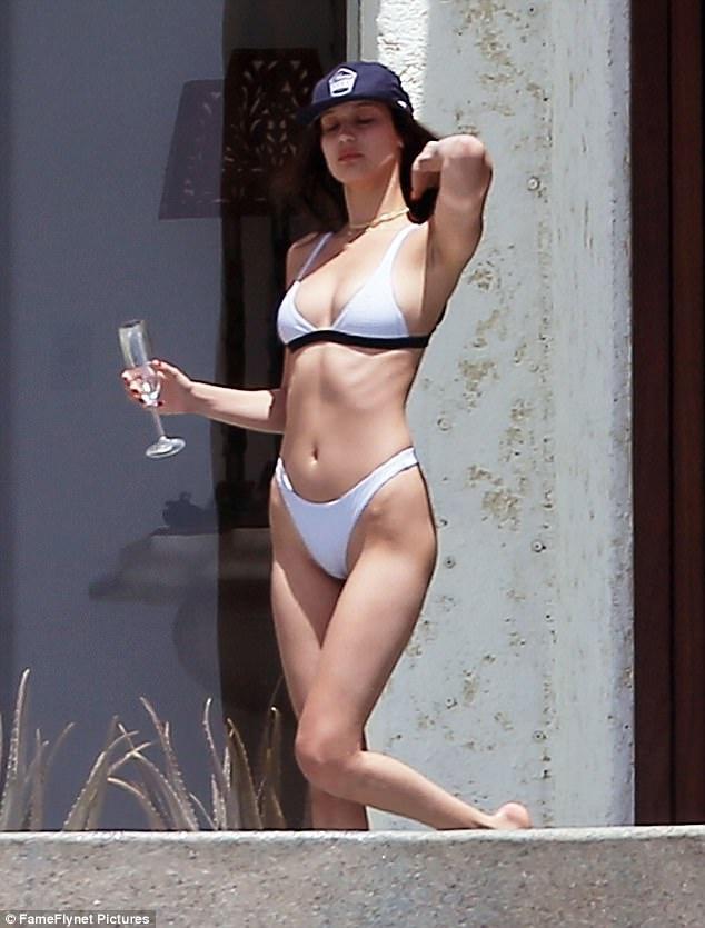Nguoi dep Hollywood chuong bikini nho xiu hinh anh 3