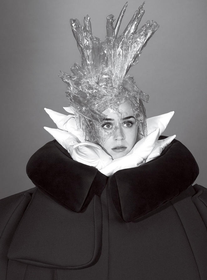 Katy Perry quay lai voi thoi trang 'ky di' hinh anh 9
