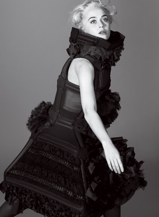 Katy Perry quay lai voi thoi trang 'ky di' hinh anh 8